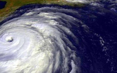 Cómo preparar su lugar de trabajo para un huracán